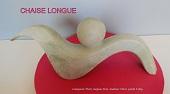 sculpture abstraite en stéatite de couleur ivoire, nommée `chaise longue`