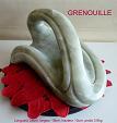 sculpture en stéatite de couleur vert bouteille, nommée grenouille